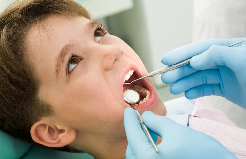 Los niños y el ortodoncista